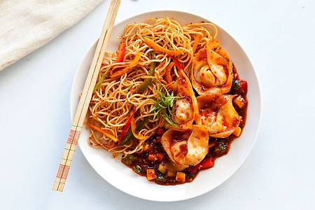 Order Sichuanese Wonton Noodles with Carrot, Bok Choy, Spring Onions and  Fiery Sichuanese Sauce online from FreshMenu>